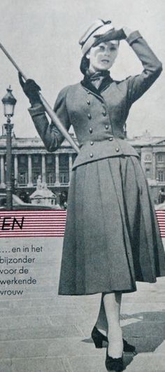 suit with loosely pleated skirt, Beatrijs 1951
