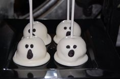Ghost Cake Pops by Simply Posh. Dip cake pops in gourmet white chocolate Velata style! Halloween Desserts, Holiday Desserts, Holiday Treats, Halloween Treats, Halloween Fun, Holiday Fun, Holiday Recipes, Halloween Cakes, Cupcakes