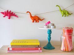 DIY dinosaurs garland