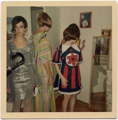 Retro Vintage Found Photos: Women Hanging Out In The - Flashbak - Found Photos: Women Hanging Out In The 1960s Outfits, Vintage Outfits, Vintage Love, Retro Vintage, Vintage Style, 70s Style, Vintage Ideas, Vintage Barbie, Vintage Pictures