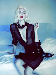 The Material Girl Tributes - The Anja Rubik and Sasha Pivovarova Vogue Paris Shots by Mert and Marcus Sasha Pivovarova, Vogue Paris, Smoking Ladies, Girl Smoking, Ideas Para Photoshoot, Photoshoot Style, Alas Marcus Piggott, Tv Movie, Foto Fashion