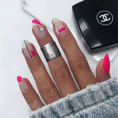What Christmas manicure to choose for a festive mood - My Nails Nail Design Stiletto, Nail Design Glitter, Pretty Nail Designs, Short Nail Designs, Dope Nails, Swag Nails, Summer Acrylic Nails, Summer Nails, Stylish Nails