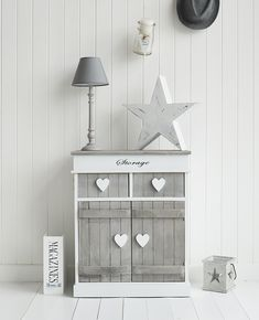 Grey and white shabby chic living room storage furniture Shabby Chic Mode, Shabby Chic Living Room, Shabby Chic Bedrooms, Vintage Shabby Chic, Shabby Chic Style, Shabby Chic Decor, Cheap Bedroom Furniture, White Furniture, Shabby Chic Furniture