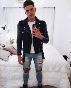 Choosing The Right Men's Leather Jackets – Revival Clothing Superenge Jeans, Boys Jeans, Ripped Skinny Jeans, Super Skinny Jeans, Fashion Moda, Mens Fashion, Fashion Wear, Gq, Revival Clothing