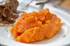 Für Anhänger der Trennkost ist das Karotten-Püree perfekt. Das Rezept ist eine Alternative zu Kartoffelpüree. Lunch Recipes, Healthy Recipes, Lunch Meals, Whole Grain Cereals, Low Fat Yogurt, Fiber Rich Foods, Proper Diet, Food Cravings, Food Items