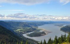 Every Hiking Spot Near Portland You Need to Explore http://ift.tt/2tr46UJ  Oregon is for hikers. Even if you live in the Rose City  or youre just visiting  there are countless trails waiting to be explored just out your front door. With more than 5000 acres of greenspace and 80 miles of soft-surface trails Portlands Forest Park  the largest urban forest in the U.S.  is calling you. Lets just say Portlands got it made. Theres no shortage of ways to take this all in but here are 16 ideas to…
