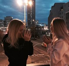 Lisa and Lena ♡ Good Friends Are Like Stars, Friends In Love, Best Friends, Sisters Goals, Soul Sisters, Lisa Or Lena, Friends Instagram, Best Friend Goals, Bff Goals