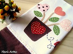 pano de prato coraes (Hari Artes) Tags: casa patchwork cozinha guardanapo panodeprato patchaplique vision:food=0508 vision:plant=0604 vision:outdoor=0616