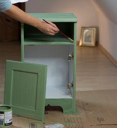 Furnierte Möbel mit Kreidefarbe streichen? Hier ein Ikea Hack mit Kreidefarbe