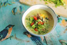 Ebben az adásban összeszedtük kedvenc ázsiai fogásainkat, olyan illattal tölthetitek meg a konyháitokat hogy az már eleve őrületes, és az ízlelőbimbóitok is megvadulnak majd, ezt garantáljuk! Thai zöld curry leves Hozzávalók 4 adaghoz: A zöld curry pasztához: 1 ek római…