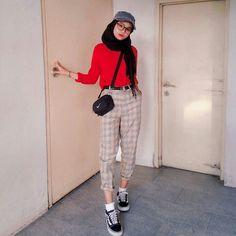 Super How To Wear Hijab Fashion Ideas 68 Ideas fashion howtowear 634937247445981232 Modern Hijab Fashion, Street Hijab Fashion, Hijab Fashion Inspiration, Muslim Fashion, Fashion Pants, Fashion Outfits, Fashion Ideas, Modest Fashion, Casual Hijab Outfit