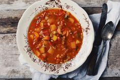 Healthy Soup, Healthy Recipes, Yummy Recipes, Canadian Food, Canadian Recipes, Chana Masala, Soup Recipes, Chili, Food And Drink