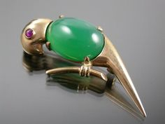 VINTAGE RETRO 9ct GOLD CHRYOPRASE & RUBY PARROT BROOCH 1958 HGM  $584.50