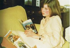 Lady Diana Spencer reads a romance novel by her favourite author, Barbara Cartland. Diana is probably 16. Photo ca. 1977.