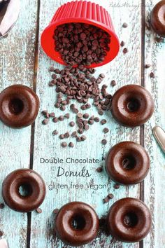 The Great Gluten Free Donut Roundup {Beard and Bonnet} I have a thing…a thing for donuts. Or is it doughnuts? Who cares right? As long as there are plenty of them to go around. The great gluten free donut round up has over 70 amazing donut recipes from all over the blogosphere for you to try.