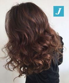 Posso avere delle sfumature naturali con il Degradé Joelle? #cdj #degradejoelle #tagliopuntearia #degradé #igers #musthave #hair #hairstyle #haircolour #longhair #ootd #hairfashion #madeinitaly #wellastudionyc