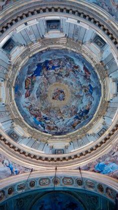 Cúpula da capela do tesouro de San Gennaro/ Napoles - IT 01.2016