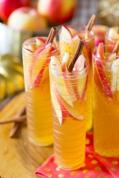 Cheers to this delicious autumn beverage. Sip this Sparkling Apple Cider Sangria…