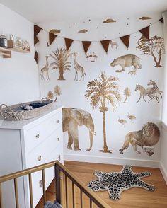 Baby Boy Nursey, Baby Boy Rooms, Baby Room Decor, Nursery Decor, Most Beautiful Child, Beautiful Children, Ideas Dormitorios, Tropical Bedrooms, Gold Wallpaper