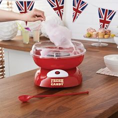 Candy Lover gift for everyone out there with a sweet tooth. Candy Floss Maker to enjoy a treat at home