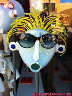 Exhicion-de-gafas-o-lentes 1