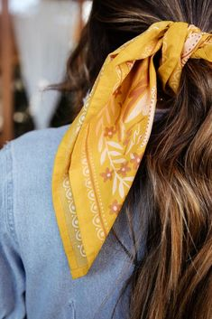 How To Wear Bandana, Bandana Scarf, Stretch Fabric, Alexander Mcqueen Scarf, Spring Outfits, Scarves, Dress Up, Floral Prints, Hats