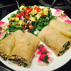 @julianbakery makes coconut wraps that turn into lovely crepes when you add hot fillings!!! Sautéed turkey onions and power greens with avocado red onions pea shoots and a bunch of @stevespaleogoods Peach BBQ Sauce because I just can't get enough of that stuff! #bonebrothdiet #delicious #bonebroth #cleaneating #whole30  #salad  #blessed #food #yummy #yum  #realfood #lowcarb #glutenfree #grainfree #dairyfree #sugarfree #getinmybelly #instafood #instadaily #foodie #foodstagram #foodporn…