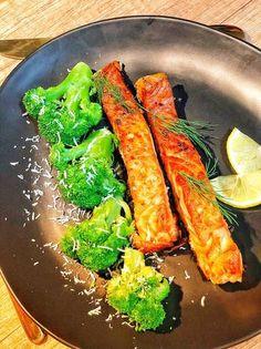 Somon la cuptor cu broccoli 🥦 Broccoli, Carrots, Vegetables, Recipes, Food, Recipies, Essen, Carrot, Vegetable Recipes