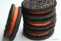 One of the things I love about Fall is that Oreos turn into my favourite colour: ORANGE.<3