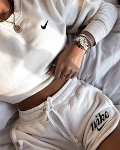 Cute Lazy Outfits, Chill Outfits, Sporty Outfits, Teen Fashion Outfits, Nike Outfits, Retro Outfits, Look Fashion, Stylish Outfits, Running Outfits