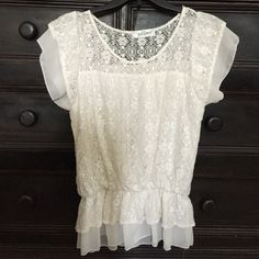 Off White lace Shirt. Med Dainty lace top with lining. Gathers just below my navel ( but I have a long torso). Previously loved but still in good condition. R.J. Story Tops