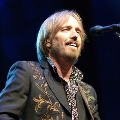 Google Image Result for http://musicology-101.com/wp-content/uploads/2011/12/TomPetty.jpg