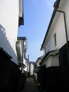 柳井・白漆喰の眩しいまちなみ /  Yanai – the beauty of white mortar