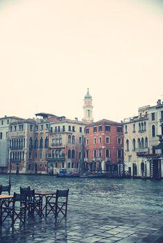 Mourir à Venise, quand je serai très, très, vieille. Un dimanche après-midi, lors d'une sieste au soleil.