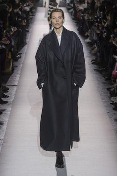 Fashion Week de Paris  mes coups de coeur   Café Mode, l oeil d une  parisienne (presque) à la page – Lexpress Styles. Manteau Hiver ... 449ccb3985a2