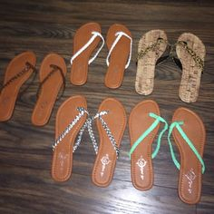 Flip-flop bundle ☀️ Assorted 5 pairs of flip-flop sandals. All brand new without* tags. ✅make me an offer✅ Sole mates Shoes Sandals