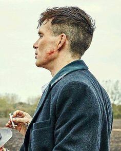 I miss this man on my telly. Peaky Blinders Tommy Shelby, Peaky Blinders Thomas, Cillian Murphy Peaky Blinders, Tommy Shelby Hair, Peaky Blinders Frisur, Thomas Shelby Haircut, Peeky Blinders, Peaky Blinder Haircut, Jolie Photo