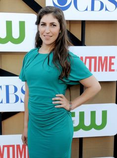 Divorce agrees with her ! She 's never looked better Mayim Bialik arrives at the CBS/CW/Showtime Television Critic Association's summer press tour party in Los Angeles on July 29, 2013.