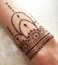 3193 Likes 147 Comments Ubercode hennainspire Henna Designs Arm, Henna Tattoo Designs Simple, Finger Henna Designs, Mehndi Designs For Beginners, Beautiful Henna Designs, Mehndi Art Designs, Simple Henna, Henna Designs For Kids, Henna Tattoo Hand