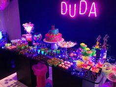 Mesa de bolo néon