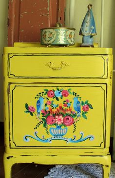 Hand Painted Furniture, Paint Furniture, Upcycled Furniture, Furniture Makeover, Smart Tiles, Deco Boheme, Home And Deco, House Colors, Decoration