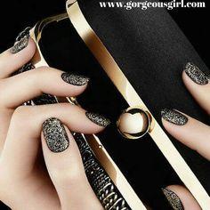 Beautiful black and gold nails :) #nailart #designs. For more on nail art ->