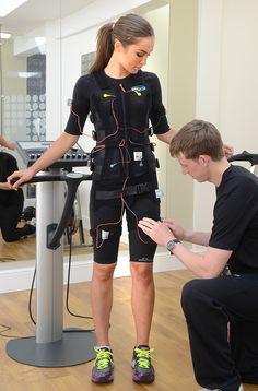 El ejercicio físico tiene un impacto positivo en nuestro bienestar mental. Estos efectos pueden generarse con electroestimulación muscular, siempre que el efecto sea general. Así se logran resultados más rápidos y perceptibles. Bodytec Trainer es mucho más que una herramienta de entrenamiento. Es un sistema totalmente integral que te invita a sumergirte en la nueva dimensión de los entrenamientos para todo el cuerpo.