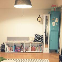 miiiさんの、IKEA,DIY,イオンのクッションカバー,リビング,カラーボックス ベンチ,カラーボックス,リビングのキッズスペース,こどもと暮らす。,シェブロン柄,部屋全体,のお部屋写真