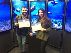 Phu, geschafft! Daniel und Melanie haben die Zertifizierung für «AdWords Grundlagen» und «Werbung im Suchnetzwerk» bestanden. Da freuen sich sogar die Seelöwen und wollen mit aufs Foto. ;-)