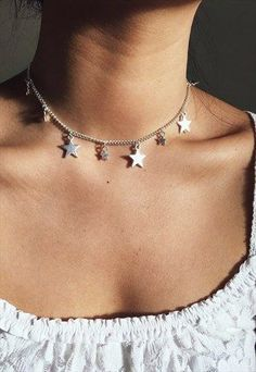 star necklace choker, minimal jewelry and accessories Cute Jewelry, Jewelry Accessories, Fashion Accessories, Jewelry Necklaces, Jewelry Design, Cheap Jewelry, Jewelry Shop, Gold Jewellery, Fashion Jewelry