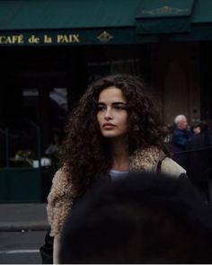 Rich Brown Hair, Brown Curls, Short Curly Hair, Curly Girl, Curly Hair Styles, Taylor Hill Hair, Hype Hair, Biracial Hair, Mixed Hair