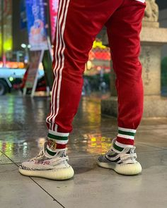 💰 · 🔥New Release & Fashion sneakers with nice quality. 🚀 Free Shipping Worldwide via DHL.5-7 days to everywhere in the world. | Yeezy Womens Mens Fashion Styles Shoes Sneakers | Yeezy Womens Mens Outift Casual Shoes Sneakers