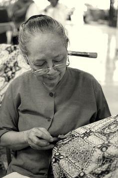 """Making """"Batik"""" - the chanting phase at Yogyakarta"""