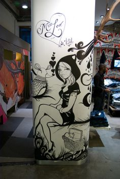 Miss Led-http://www.behance.net/gallery/LIVE-PAINTING/326683